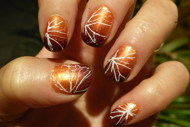 Crackled red fall nail art by Barbouilleuse