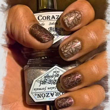 Autumn 🍂 Holo Love 💘  nail art by Avesur Europa