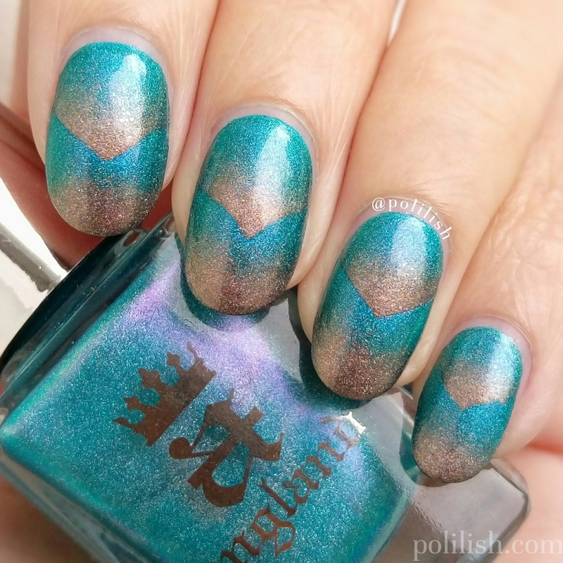 Blue and gold scaled gradient nail art by polilish