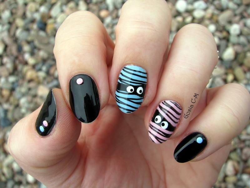Mr & Mrs Mummy nail art by Nail Crazinesss