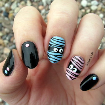 Mr & Mrs Mummy nail art by Nail Crazinesss