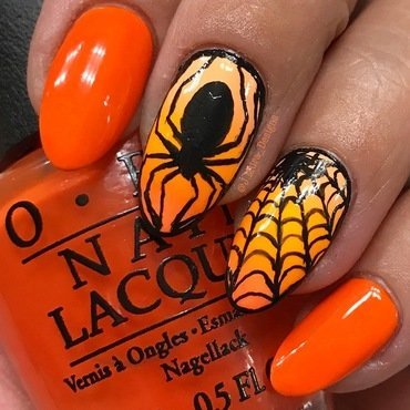 Crawly Claws nail art by JMura_Designs