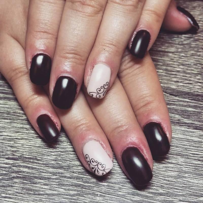 Vampy Shellac  nail art by Ailesh Abrams