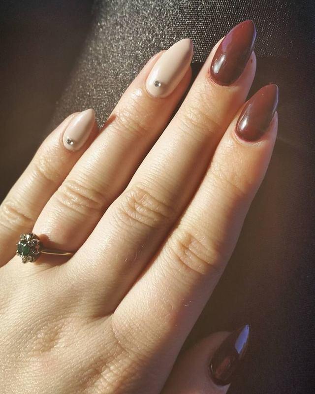 Autumn Love  nail art by Ailesh Abrams