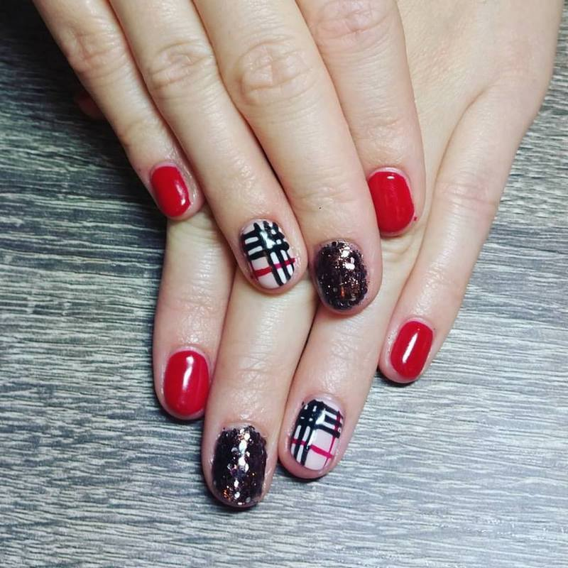 Burberry Plaid   nail art by Ailesh Abrams