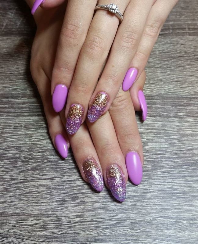 Lilac & Ombre Sparkles  nail art by Ailesh Abrams