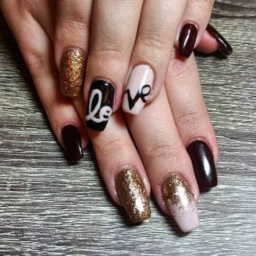 Love Story  nail art by Ailesh Abrams