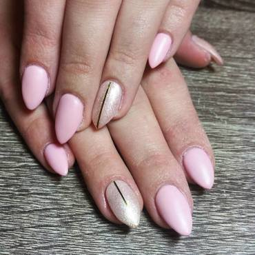 Pretty in Pink  nail art by Ailesh Abrams