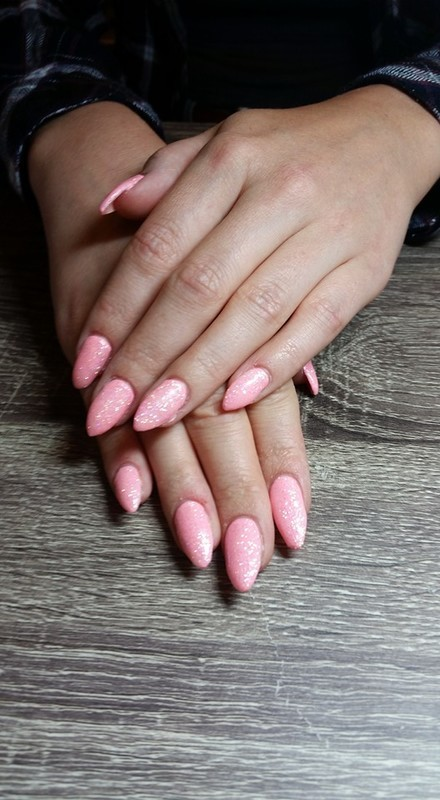 Just Peachy  nail art by Ailesh Abrams