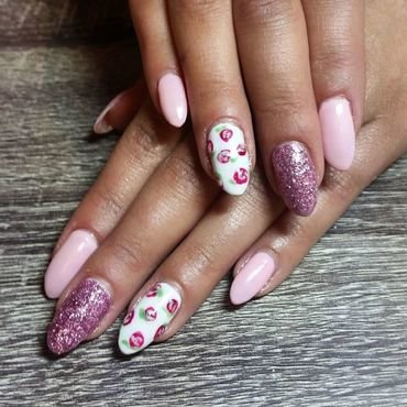 Summer Love  nail art by Ailesh Abrams