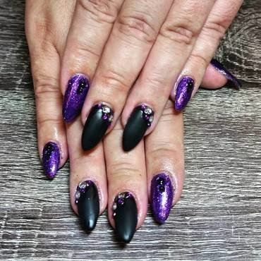 Purple, Black, & Glam  nail art by Ailesh Abrams