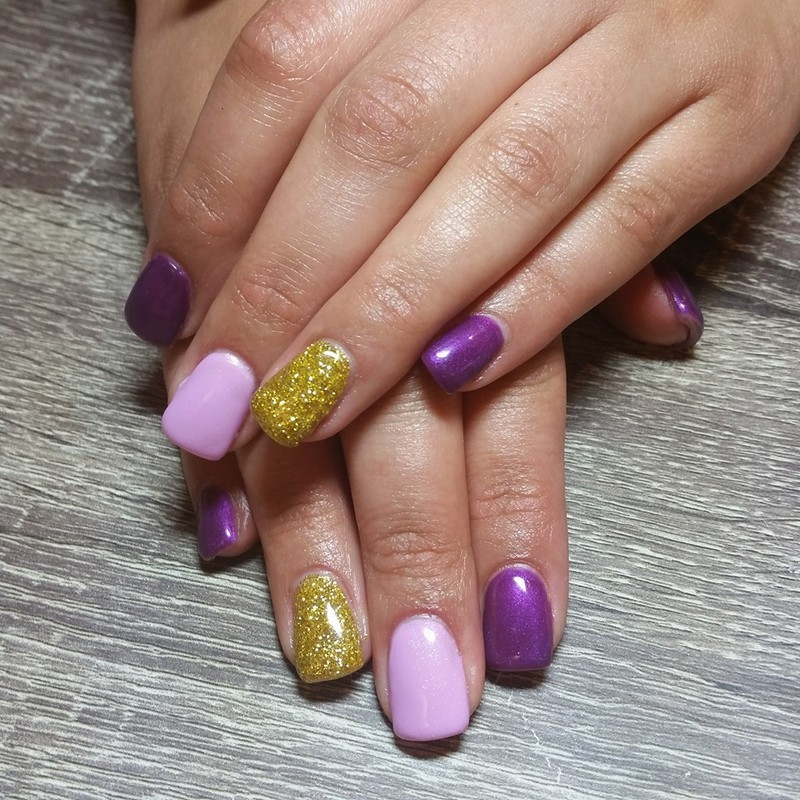 Pretty in Purple  nail art by Ailesh Abrams