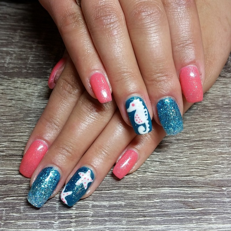 Seahorses, Starfish, & Sunshine nail art by Ailesh Abrams