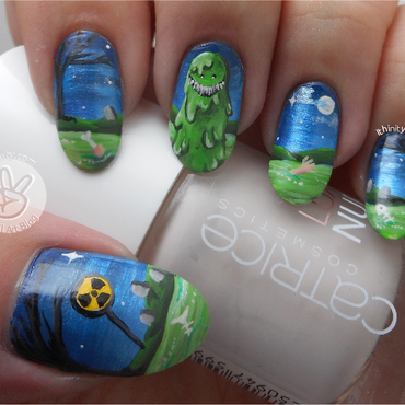 Freehand Clive The Swamp Monster-Thing nail art by Ithfifi Williams