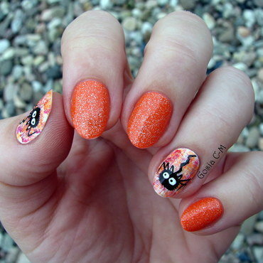 Spider nail art by Nail Crazinesss