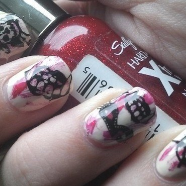 Halloween Skullz nail art by Kristyna