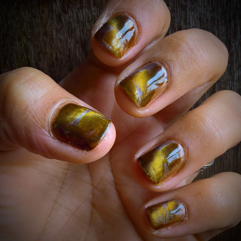 Magnetic Autumn Mix nail art by Avesur Europa