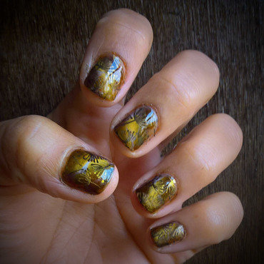 Stamping on Magnetic Autumn nail art by Avesur Europa