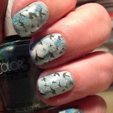 Birds in the sky nail art by Ronit