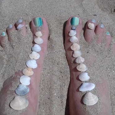 Summer beach pedicure nail art by 9Sh4DeSOfBl4ckBooD