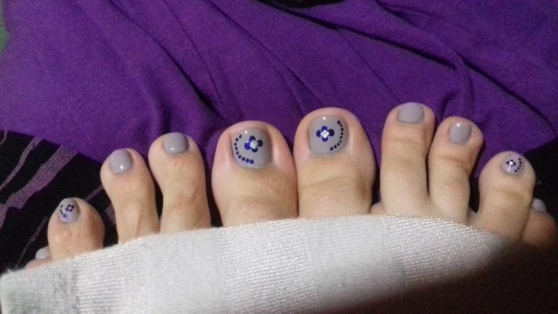 Lilac and purple dots nail art by 9Sh4DeSOfBl4ckBooD