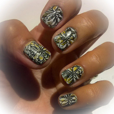 White, Yellow and Black for When Colours Collide nail art by Avesur Europa