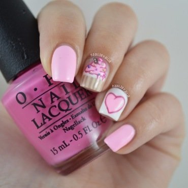 Cupcake nail art by Julia