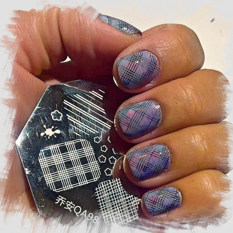 Plaid on #fanbrushfriday  nail art by Avesur Europa