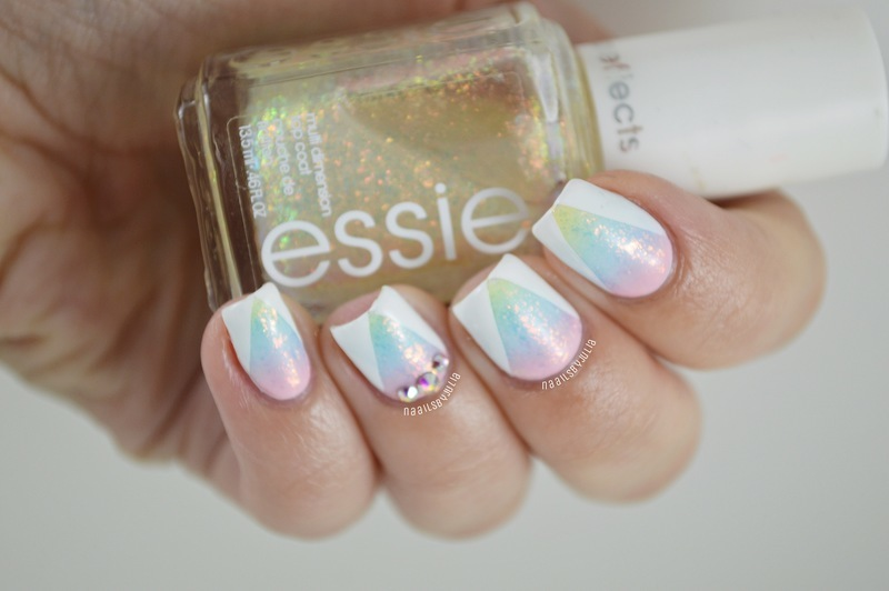 Glitter gradient nail art by Julia
