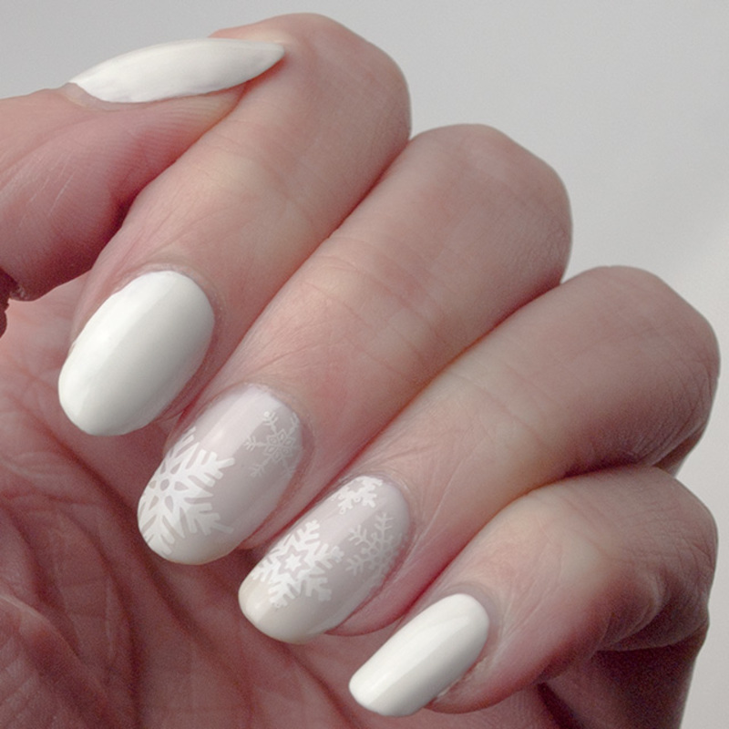 Winter wonderland in white nail art by What's on my nails today?