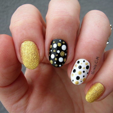 Golden Dots nail art by Nail Crazinesss