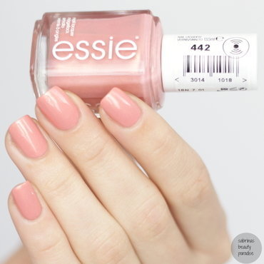 Essie Oh behave! Swatch by Sabrina
