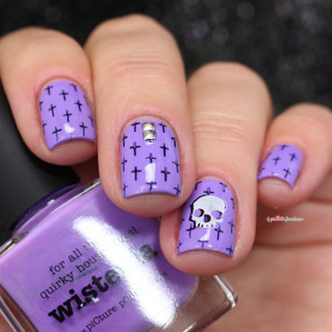 skull nail art by nathalie lapaillettefrondeuse