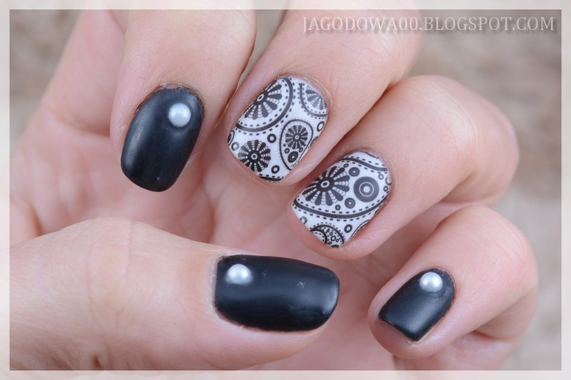 Paisley nail art by Jadwiga