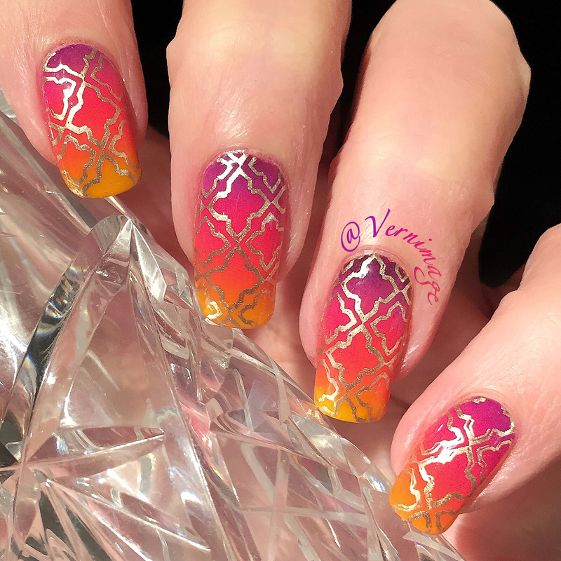 Stamped Gradient nail art by Vernimage