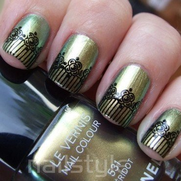 OPI Just Spotted the Lizard/Chanel Peridot stamped nail art by nail_style