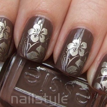 Essie Hot Coco with stamping nail art by nail_style