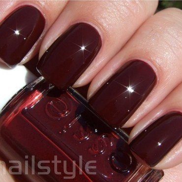 Essie Masquerade Belle Swatch by nail_style
