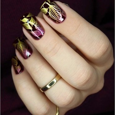 Glamour leaves nail art by barbrafeszyn