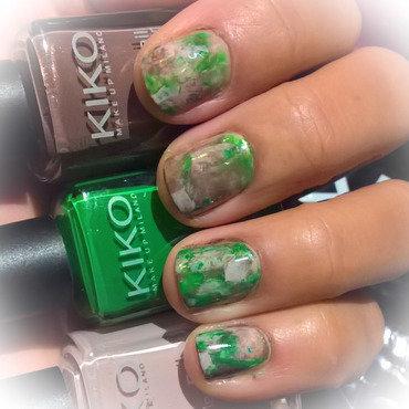 Nude, Green and Metallic Brown Smooshy  nail art by Avesur Europa
