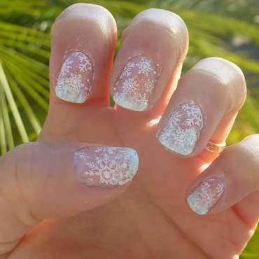 Frosty nail art by Barbouilleuse