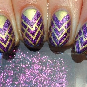 #paintintochristmas Sparkle nail art by Plenty of Colors