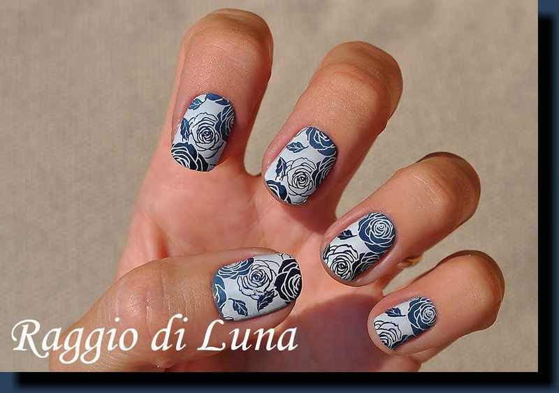 Stamping: Roses on denim & dark blue gradient nail art by Tanja