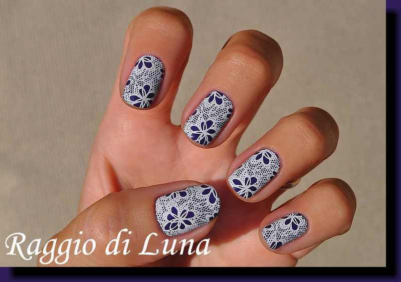Stamping: White lace on purple nail art by Tanja