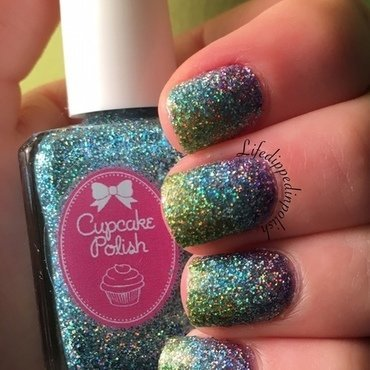 Holographic Gradient nail art by lifedippedinpolish