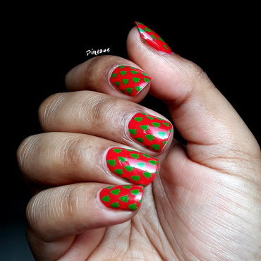 Christmas Tree nail art by Pinezoe