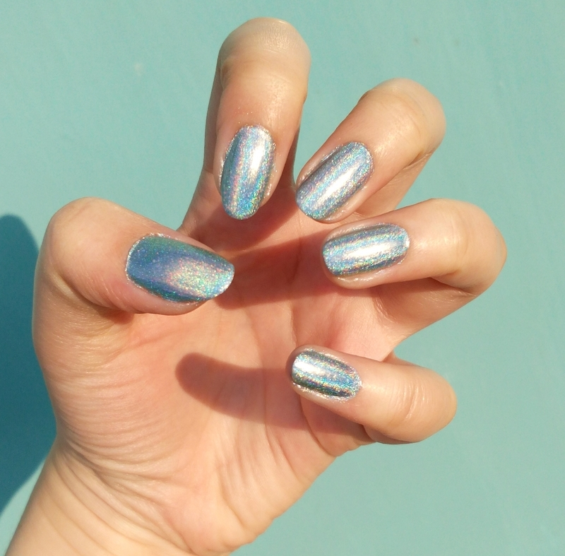 Blue heaven nail art by Lucy