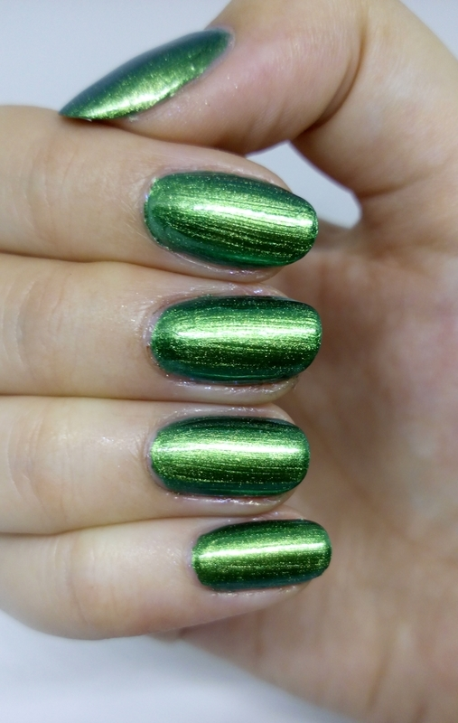 Essence nail art by Lucy