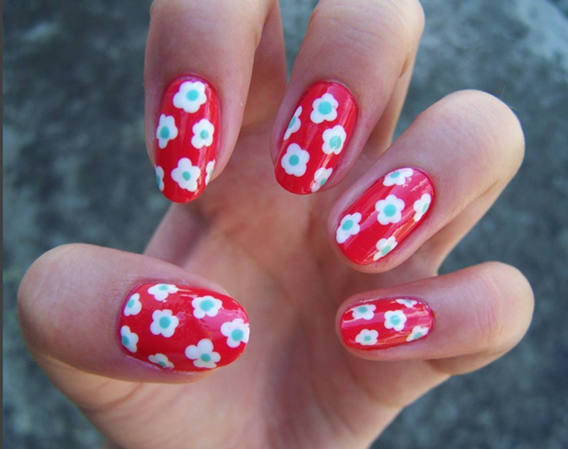Flowers nail art by Lucy