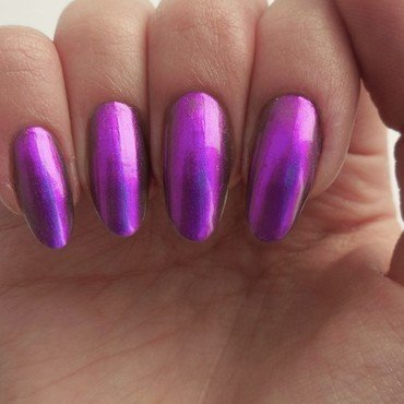 Douglas Spectral purple Swatch by MaliNaila
